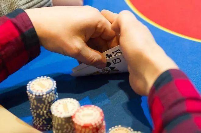 德州扑克赚钱的方法
